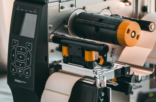 Uzlīmju printeri un izejmateriāli